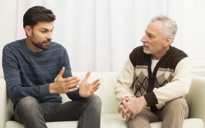 Kto veľa rozpráva? Egocentrik alebo neistý človek?