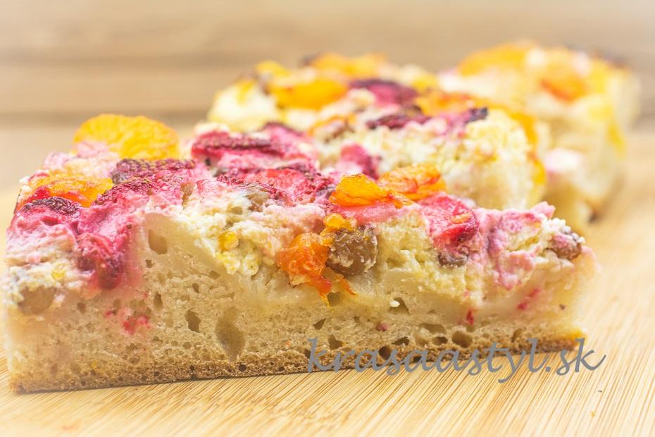 koláč s ovocím