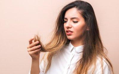Domáca maska na rozštiepené končeky vlasov: Recepty na vyživenie