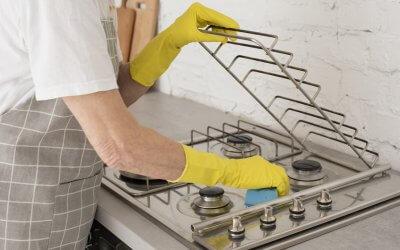 Ako vyčistiť sporák? Osvedčené babské rady aj tipy z drogérie