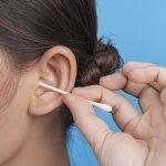 Vatové tyčinky do uší: Používaš ich správne a používaš tie správne?