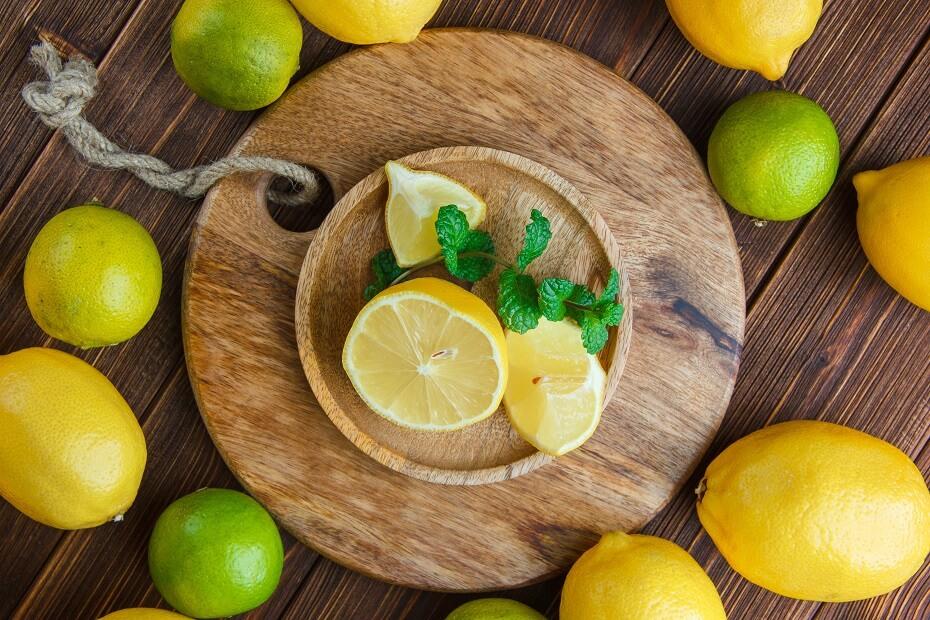 odšťavenie citrónu s pomocou mikrovlnky