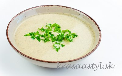 Recept: Šampiňónová krémová polievka so zemiakmi a bez múky