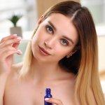 Najlepšia kozmetika na suchú pleť: Tipy, ktoré ťa dostanú