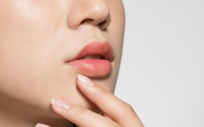 Osobnosť človeka podľa pier: Čo prekvapujúce odhalí tvar a veľkosť úst?