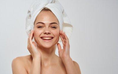 Vynikajúca domáca maska na akné z účinných prírodných ingrediencií